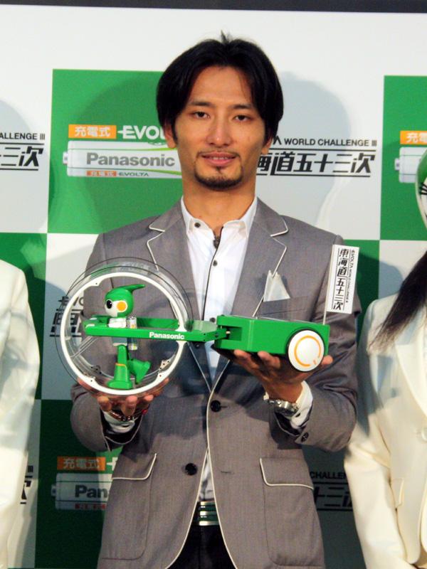 ロボット「エボルタ」を開発した、ロボットクリエイターの高橋智隆氏。過去2回のチャレンジにも参加していた