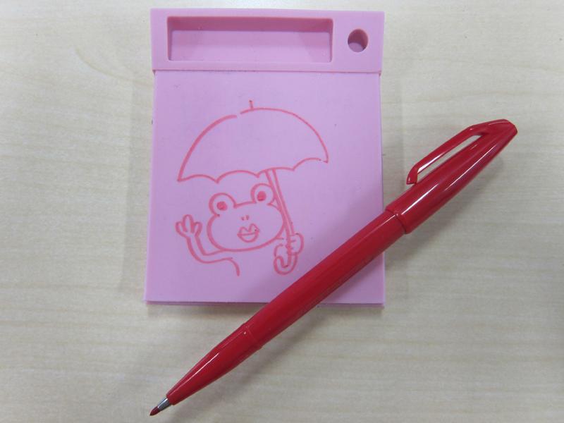 オフィスによくある太めのサインペン