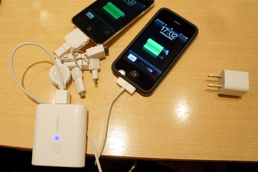 iPhone4とiPod touch(新型)を充電してみたところ。これも問題ナシだ