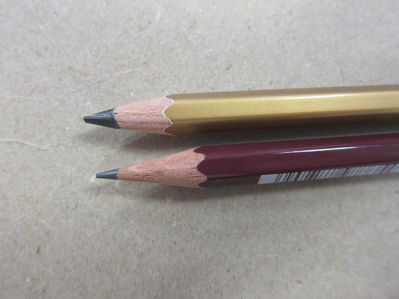 普通のHBの鉛筆と比べてみたところ