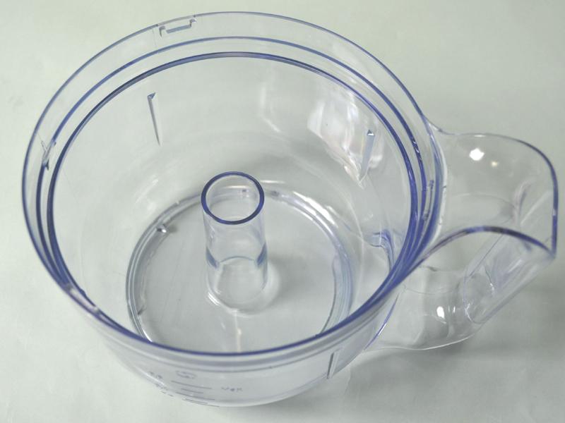 クッキングボール容器はプラスチック製でとても軽い