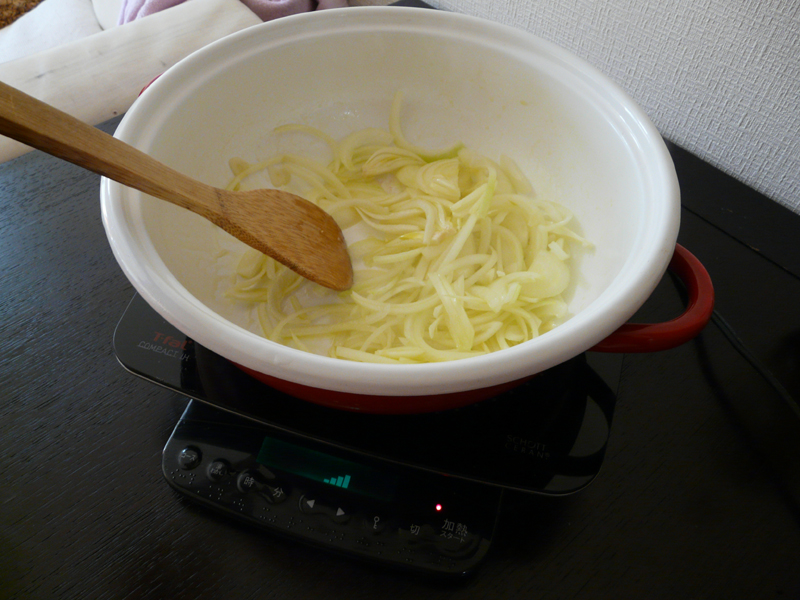 オリーブオイルで炒める