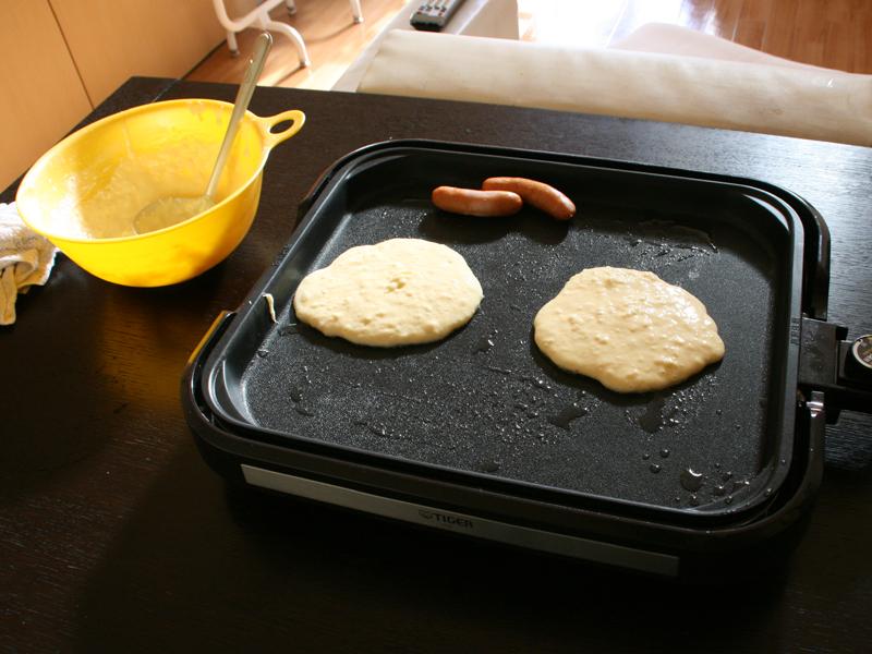 今回は2枚焼いたが、プレートが広いので4枚くらいは同時に焼けそう