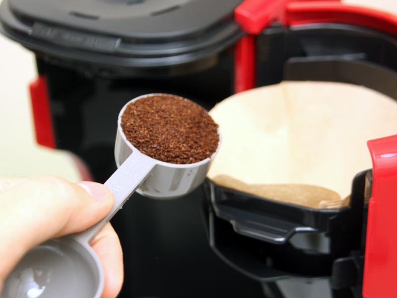 コーヒーの粉を入れるスプーンも同梱される