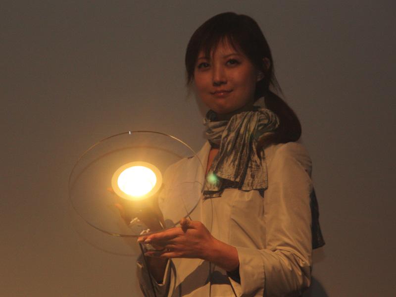 ワンコアのLEDダウンライト。電球色タイプ