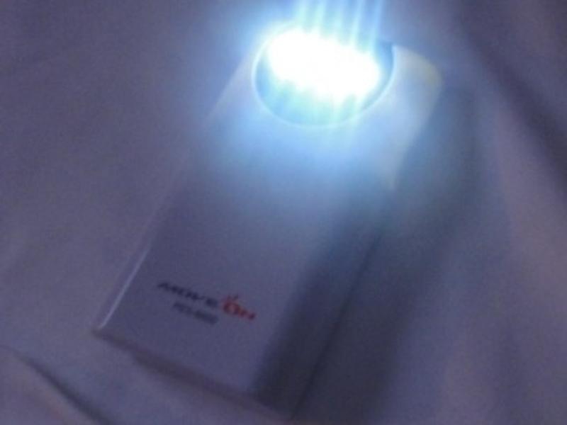高輝度LEDライトを搭載