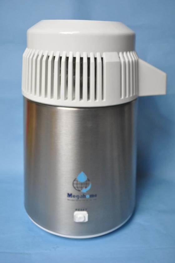 蒸留水器はステンレス製