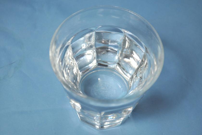 まずいと言われる蒸留水。覚悟して飲んだが、実は飲みやすくて、おいしかった