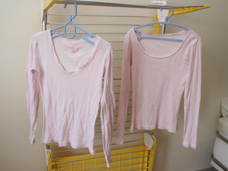 左が乾燥機、右が天日干し。女性用長袖Tシャツ。前身ごろあたりのシワがやや気になる