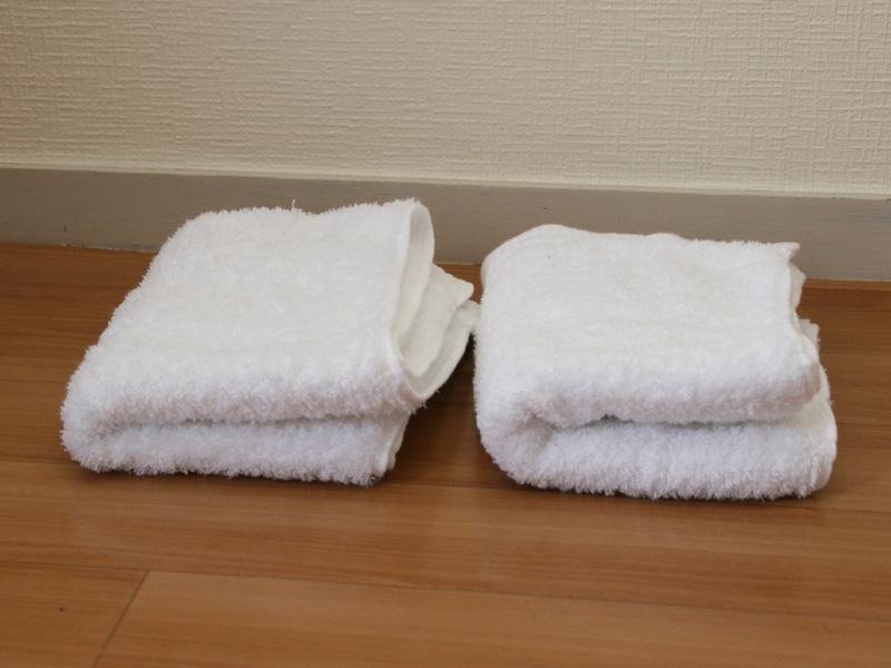 右が天日干し、左が乾燥機。写真だとややわかりにくいが、左の乾燥機で仕上げたほうが全体的にふっくらと仕上がっている