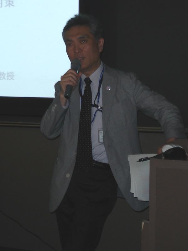 """前環境省事務次官で、現在は慶応大学環境情報学部・大学院教授を務める小林光氏。PV-NETの設立時メンバーで、自宅で""""フルコースのエコハウス""""を実践する人物だ"""