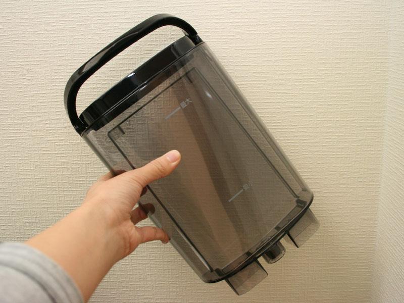 給水タンクも本体から取り外しできる