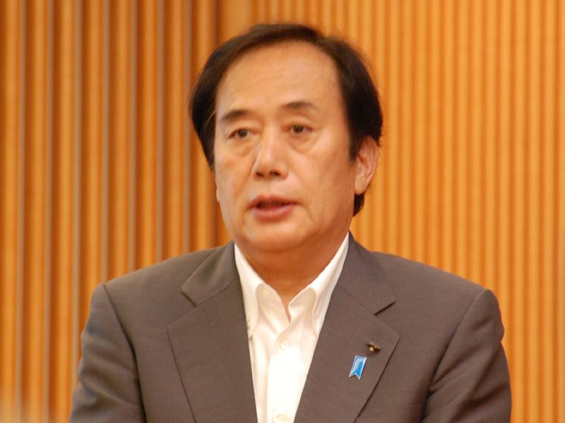 埼玉県の上田清司知事。「埼玉は日照時間は全国並みだが、晴天の日の回数は、ここ10年間で8回、全国で1位となっている。太陽光発電に絞った形で、自然エネルギーを推進していきたい」