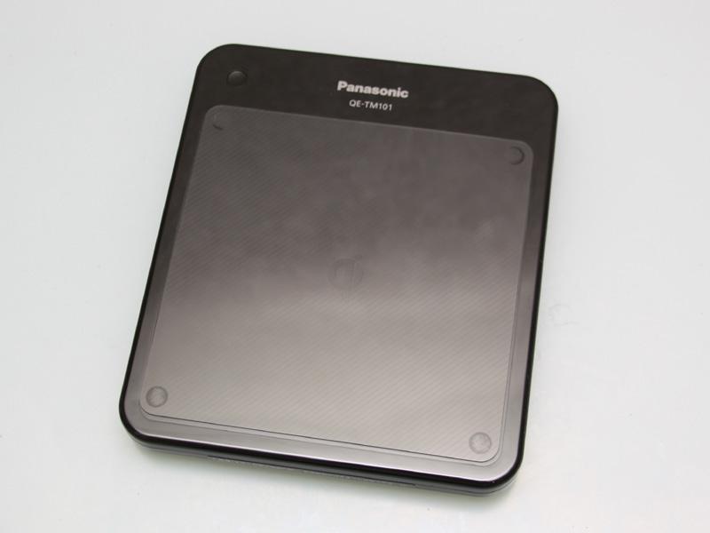 発売中のQiに対応したパナソニック製充電パッド。およそ4千円ほど