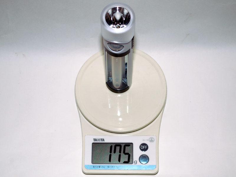 重量は電池込みで175gだった