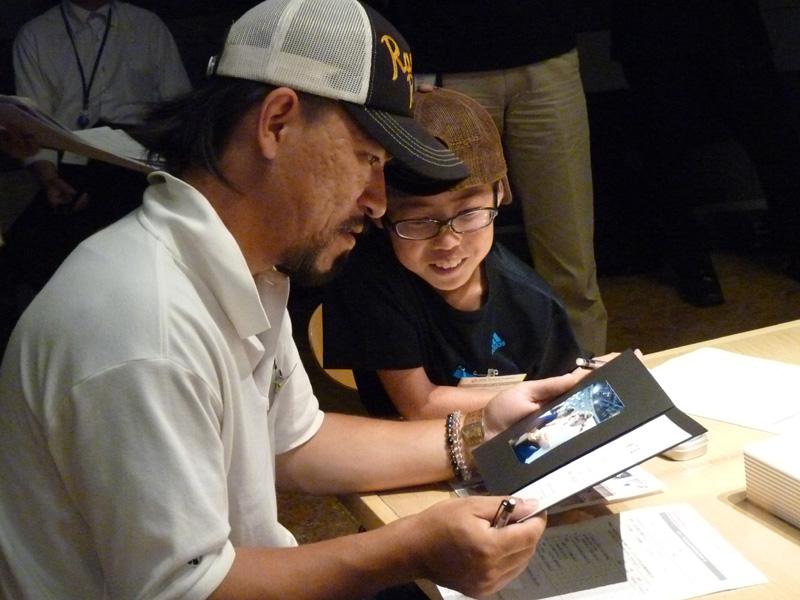 ワークショップ終了後は親子に、写真入りの修了証が渡される