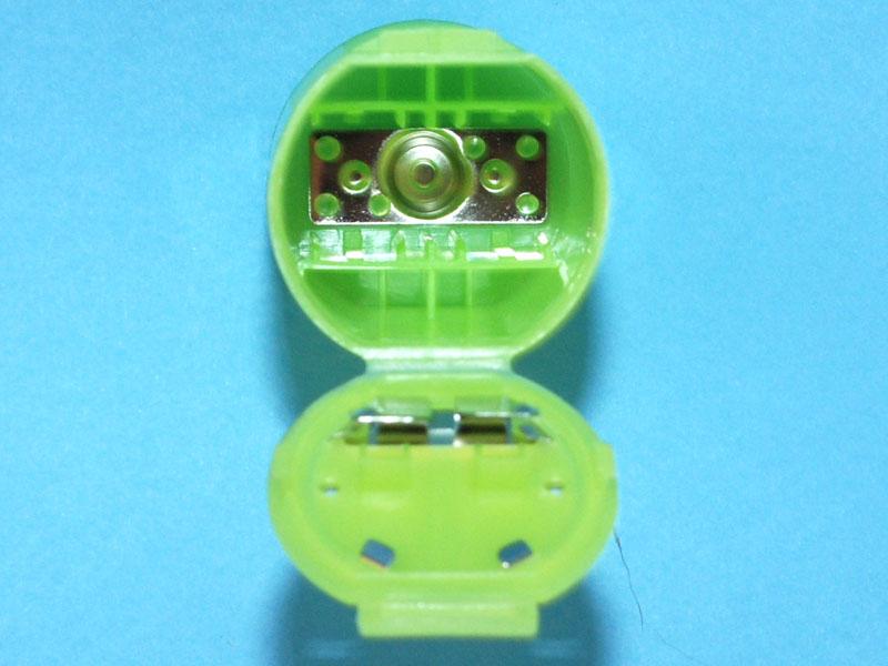 プラス極側の電極