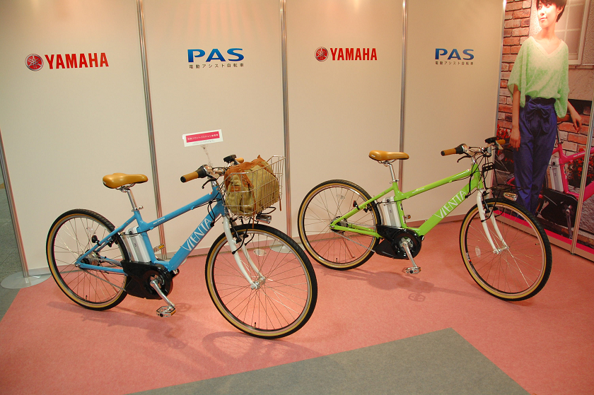 電動アシスト自転車っぽくない、スリムでスポーティーなデザイン