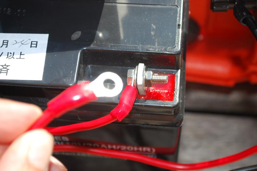 蓄電池を経由せずに接続してみたが、家電は動作しなかった