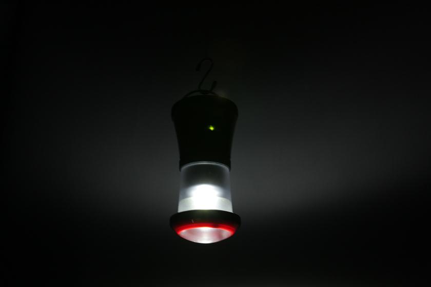 テントで寝るときの常夜灯としても利用できる