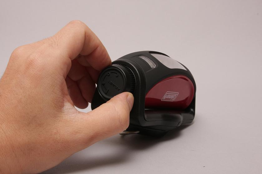 LEDテントライト。スイッチは横のダイヤルを回すようになっている
