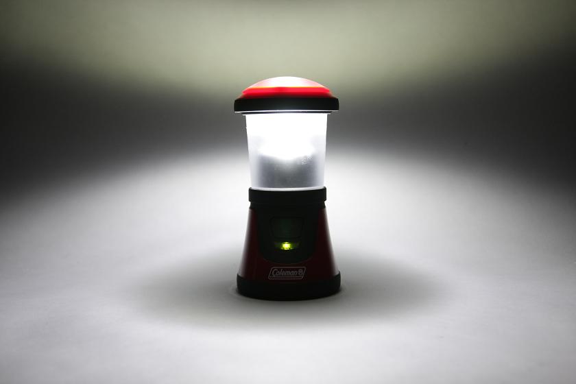 エネループでランタンを光らせてみたが、乾電池とは光量に違いは見られない