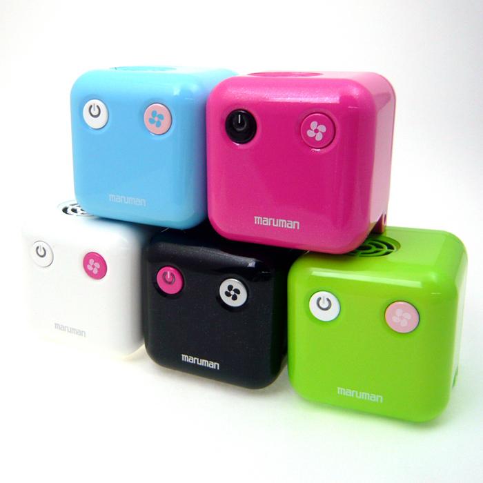 除菌脱臭器「キュートキューブ」。カラーは5色用意される
