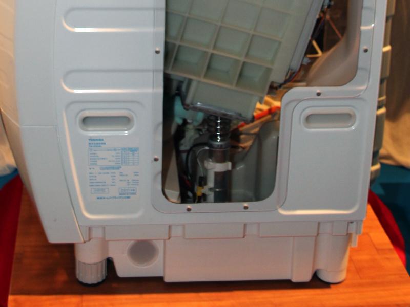サスペンションはドラム槽の下に配置されている