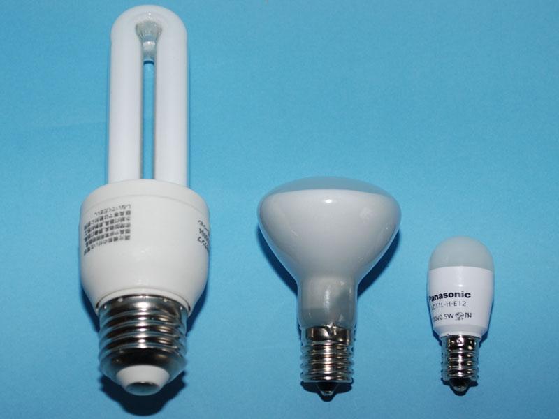 左からE26、E17、E12対応の製品。E26が一般的な大きさ