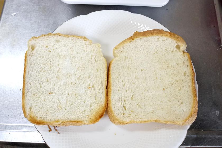 トースト前の冷凍パン