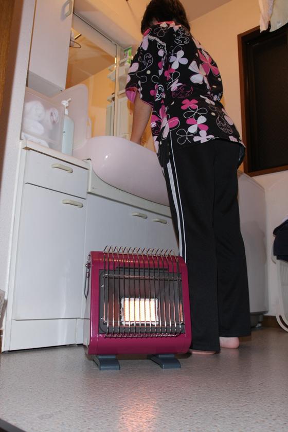 火力調節はできないが、さほど不便は感じられない。凍える冬場の朝の洗面所、脱衣所や洗濯機置き場で使えば快適だ