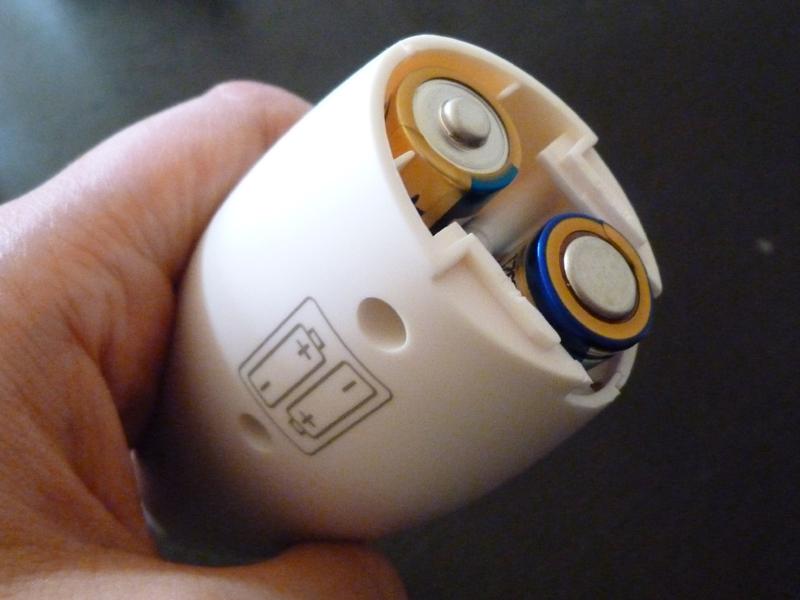 シェイカーの電源は別売りの単三電池2本