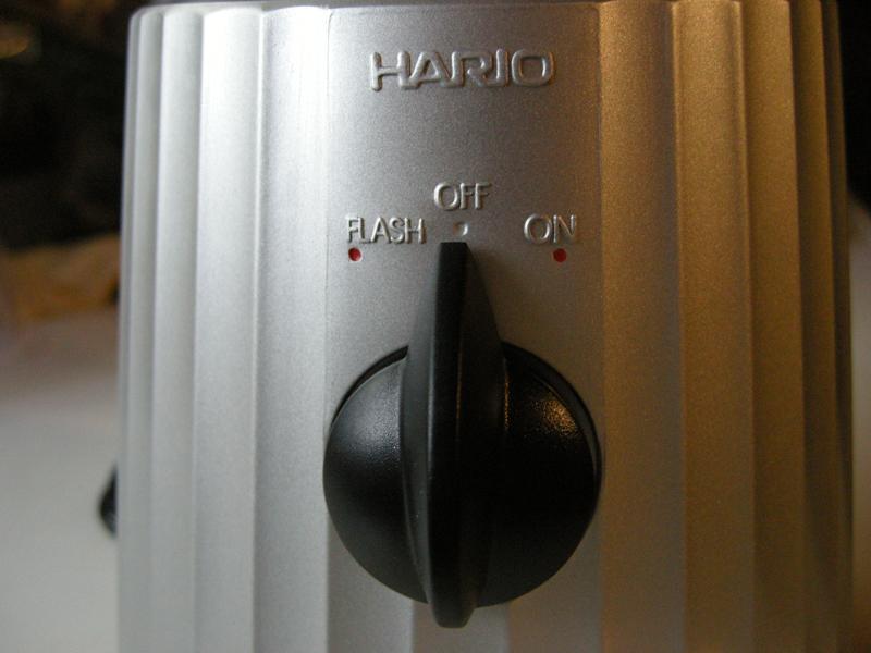 スイッチ操作はとてもシンプル。「ON」と「OFF」だけ