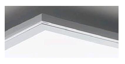アクセント光を演出するクリアエッジ加工を採用