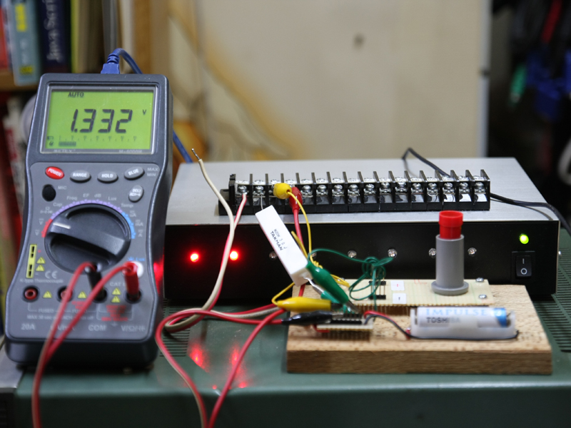 実験装置は前編と同じで、今回は機器のONとOFFを繰り返して何回利用できるかを調べてみる
