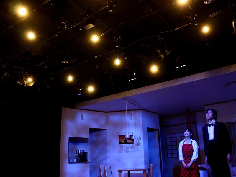 「LEDあかり劇場」では、星空の演出にクリアLED電球が使用されていた