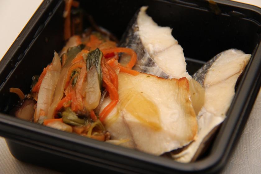 発表会会場ではランチボックス「さわらの野菜あんかけ弁当」が提供された。さわらは薄味だが、野菜にしっかり味が付いているため、一緒に食べると絶妙なハーモニーに。温めた方がおいしい