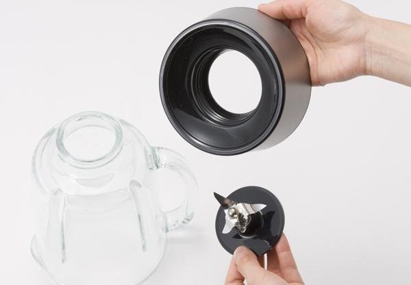 ガラス容器や刃、フタなどは全て取り外して水洗いできる