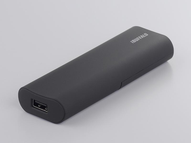 BSMPA08BKの本体サイズは42.4×23.9×100.7mm(幅×奥行き×高さ)で、ポケットやカバンに入れても、場所を取らないという