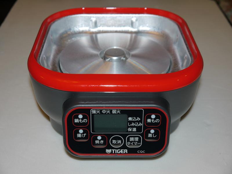 赤いラインで囲まれているのが調理ボタン。「煮もの」と「鍋もの」は、いったい何が違うのだろ? と素朴な疑問が沸いてきます