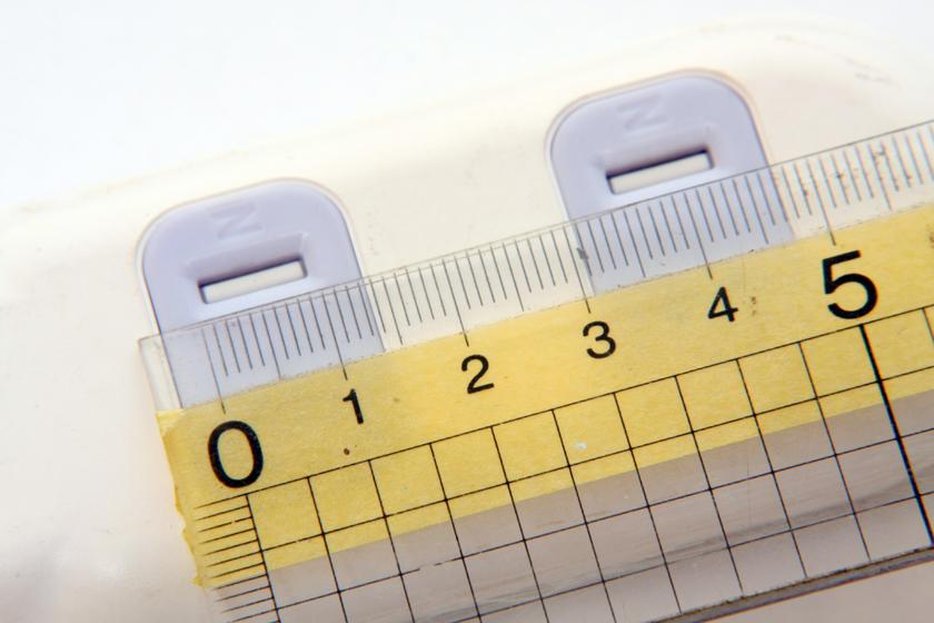 一般的なテーブルタップは、だいたい35mmとなっている