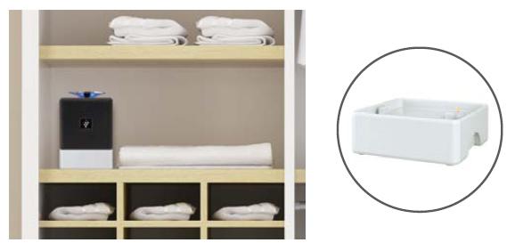 別売りの電池ケース(写真右)を使えば、クローゼットなど電源がない場所でも使用出来る