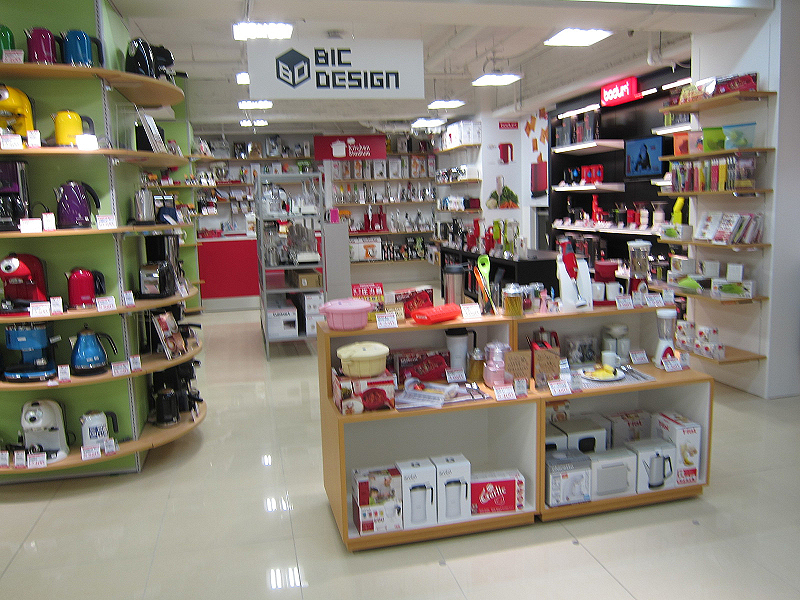 「BIC DESIGN」というコーナーには、デザイン家電を集めた