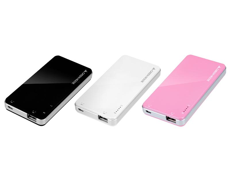モバイルバッテリー「GH-BTI4200」。本体は3色用意される