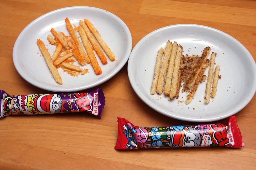左のめんたい味や右のたこ焼き味をはじめとするソース系は、割れ安い傾向にある。3回ほどテストしたが、いつも同じような結果となった
