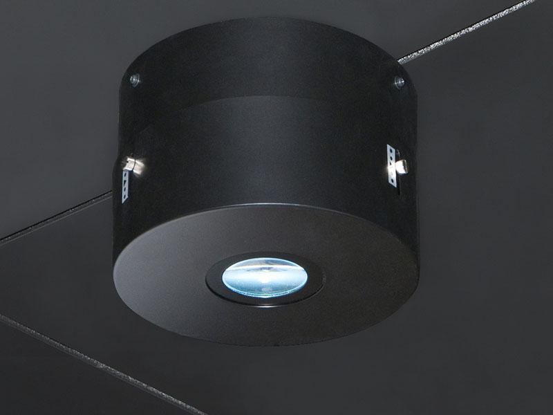 石柱の天井に設置されている専用LED照明器具