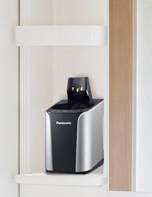 全自動洗浄機を改良。コンパクト化することで洗面台の棚にも収納できるという