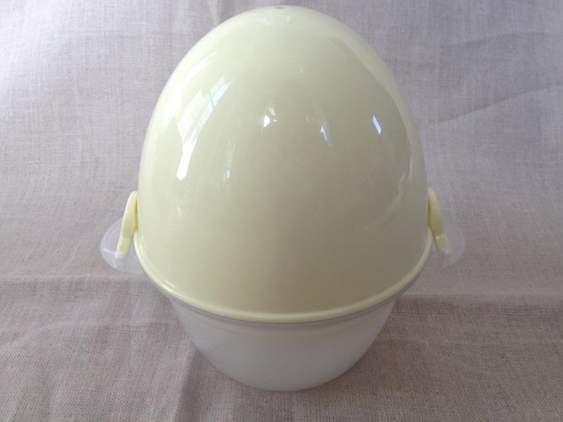 本体の形は、卵のような楕円形