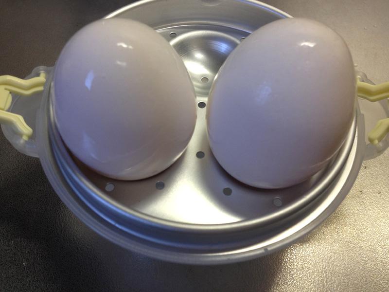 洗った卵を置く