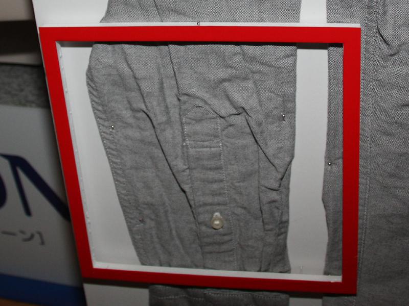 旧モデルではシャツの袖に細かいシワが付いてしまっていた